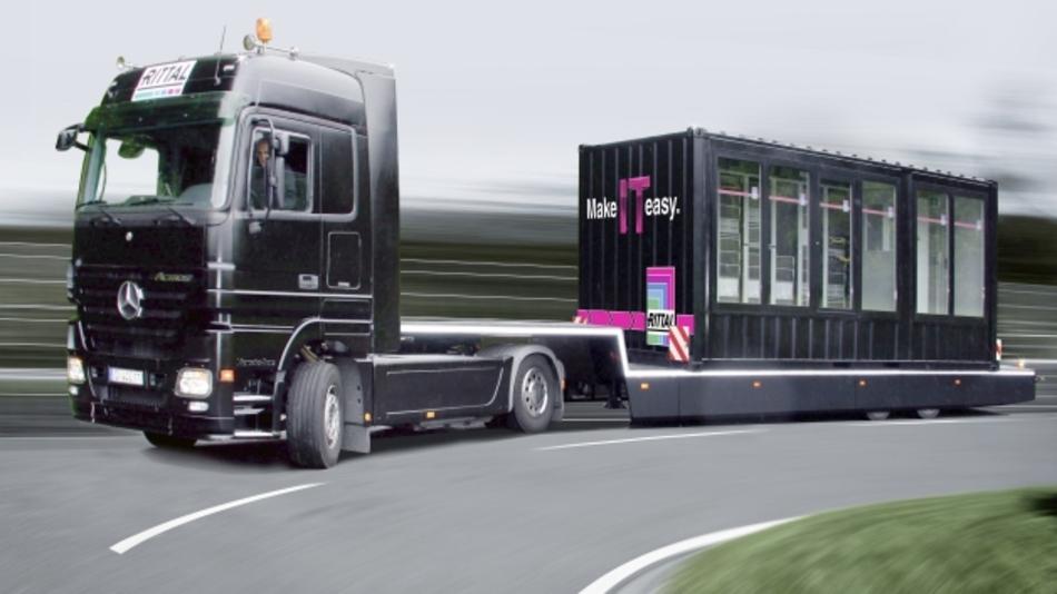Die Neuheit von Rittal, das standardisierte Rechenzentrum RiMatrix S, ist zu einer Roadshow aufgebrochen.