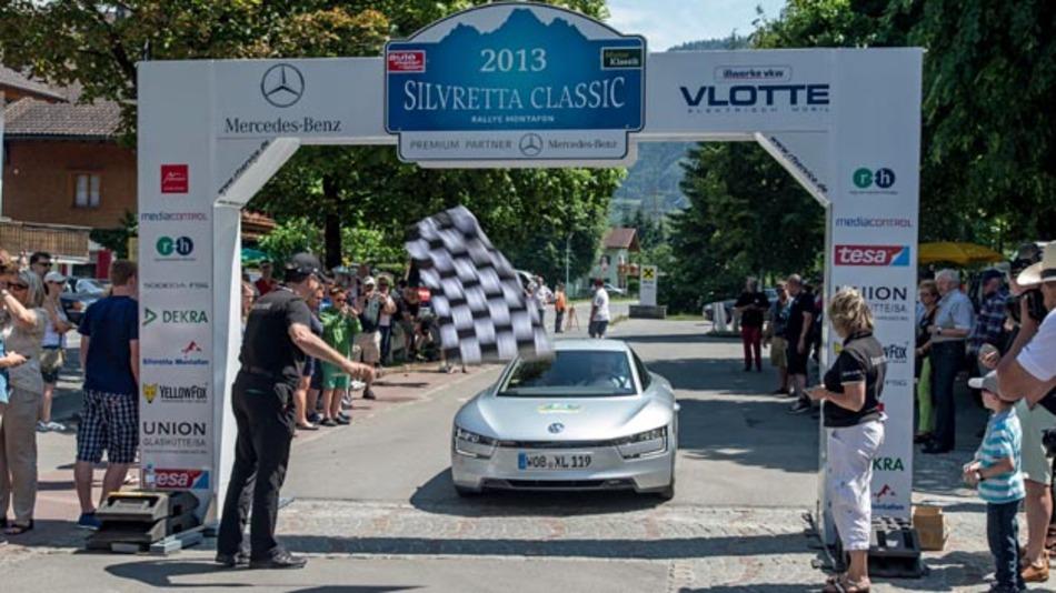 Der XL1 gewinnt als die Effizienzprüfung der Silvretta E-Auto-Rallye mit einem Verbrauch von nur 0,655 l / 100 km.