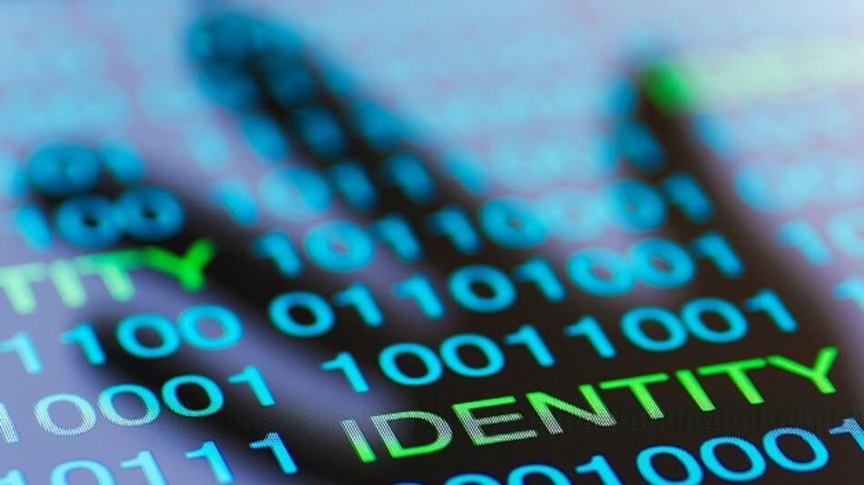 Sichere Identitäten sind die Basis für industrielle Kommunikation innerhalb der Industrie 4.0.
