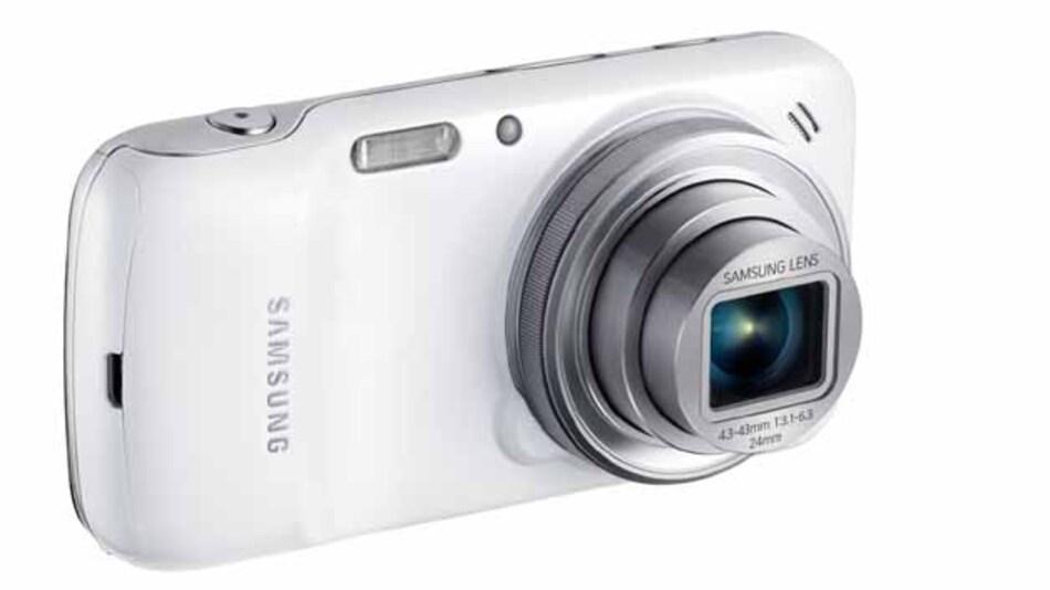Vorne Kamera, hinten Smartphone: Das Samsung Galaxy S4 Zoom ist eine interessante Kombination aus Kamera und Smartphone.