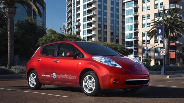 Damit Fahrer eines Elektroautos in Japan sich zukünftig keine Sorgen um die Reichweite machen müssen, bauen Nissan, Toyota, Mitsubishi und Honda das Ladesäulen-Netz aus.