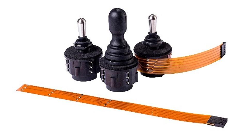 Die kompakten Schalter/Joysticks der Serie NZ bieten laut Hersteller Apem als einzige eine Kombination von Vier-Wege-Kipphebelschalter und schaltendem Joystick.