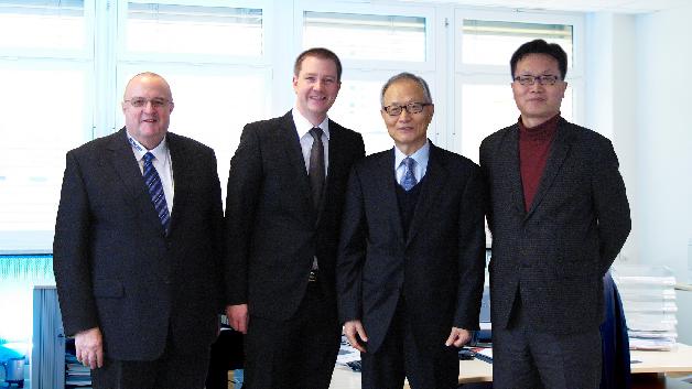 Gerd Reinhold, WDI AG, Christian Dunger, WDI AG, BH Cho und Chester Kim, LIHOM CRYSTAL (v.l.n.r.)