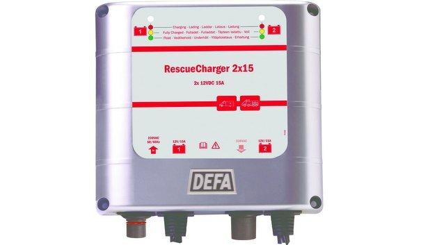 Der Defa Rescue-Charger 2 x 15 ist für Batterien mit bis zu 500 Amperestunden geeignet.