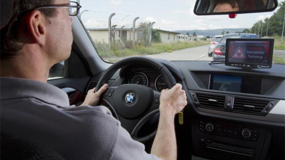 """Das abgeschlossene Projekt """"Sichere Intelligente Mobilität - Testfeld Deutschland"""" hat gezeigt, dass Car2X eine wertvolle Hilfe im Alltag sein kann."""