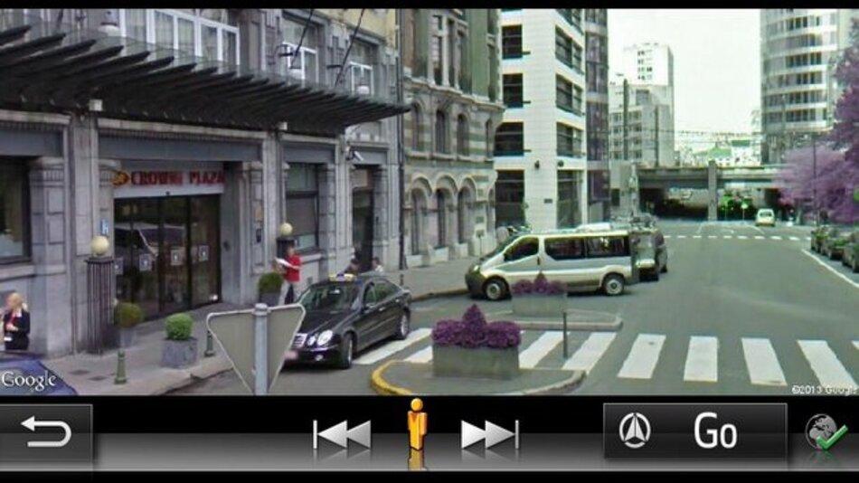 Toyota ergänzt die Navigation um eine Street-View-Funktion.