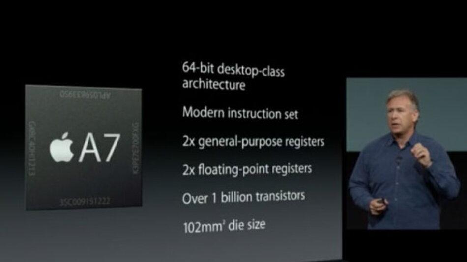 Apples Marketing-Chef Phil Schiller präsentiert den neuen 64-bit-A7-Prozessor für das iPhone 5S.