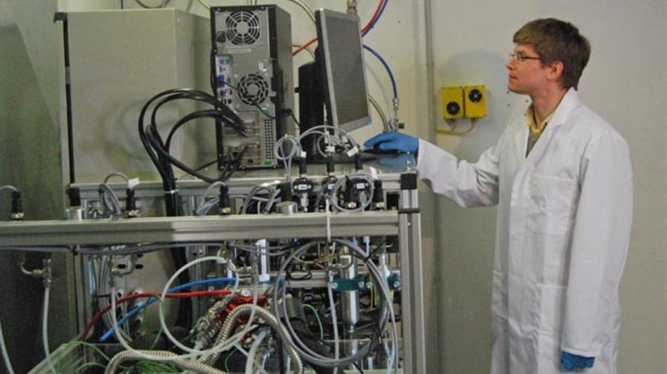 Das Auto-Stack-Tool von ZSW zum Qualifizieren von Brennstoffzellen im Prüfstand integriert.