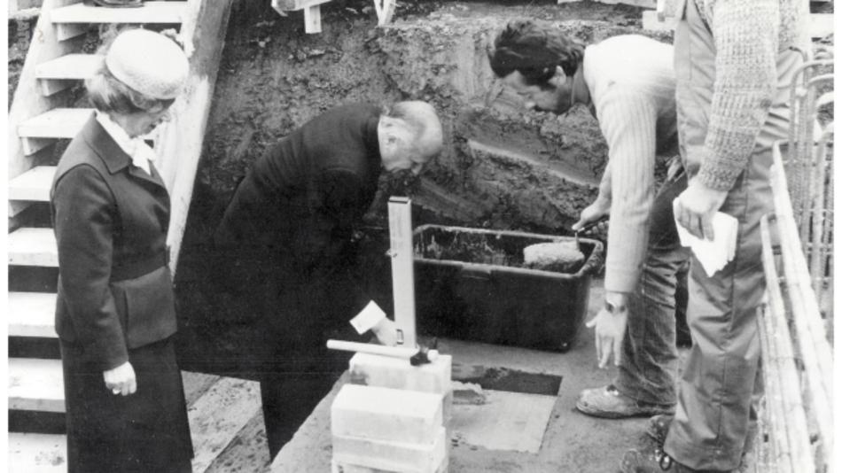 Ursula Ida und Oskar Lapp legten den Grundstein für Neubau des Lapp Kabelwerks in der Oskar-Lapp-Straße 5