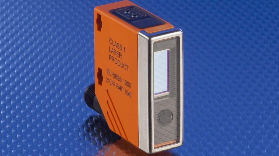 Auch glänzende Oberflächen erkennt der Sensor aus der vom Hersteller so genannten PMDLine-Serie.