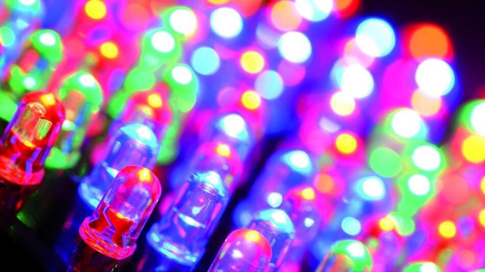 Die Märkte, deren Basiskomponenten alle auf der von Einstein 1905 in seinem Aufsatz - Ueber einen die Erzeugung und Verwandlung des Lichtes betreffenden heuristischen Gesichtspunkt - gegebenen Erläuterung des lichtelektrischen Effekts beruhen, tragen mit ihren Milliardenumsätzen wesentlich zum Erfolg der High-Tech-Industrie bei.