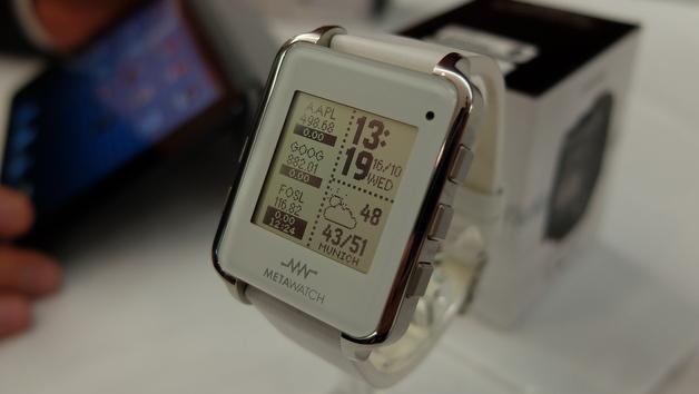 Die »Metawatch« kann sich drahtlos mit einem Android-Gerät verbinden.