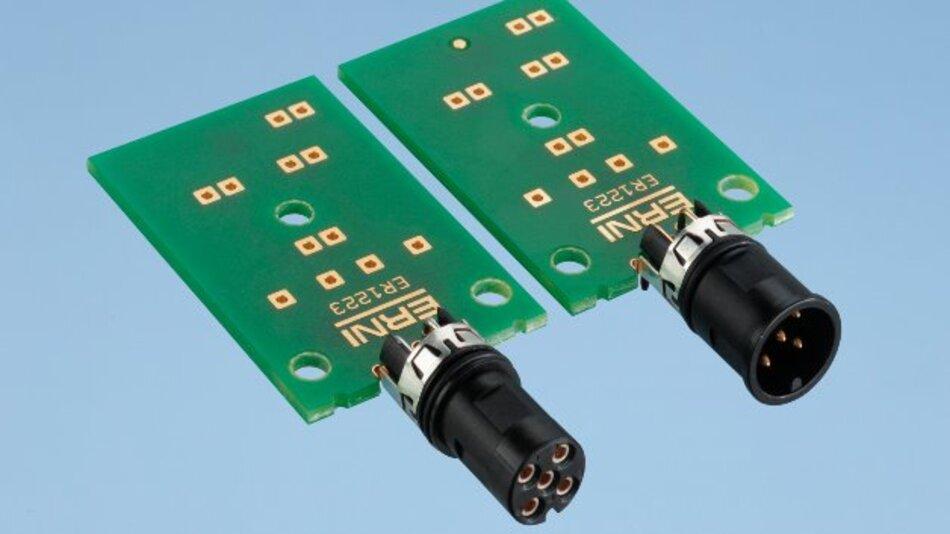 Durch die mittige Lage zur Leiterplatte lässt sich der Stecker gut verarbeiten. Gleichzeitig reduziert sich der Bauraum.