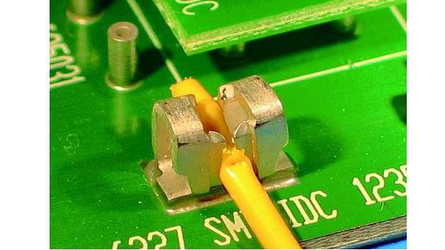 Bild 4: Ein Torsions-Schneidklemmanschluss kann zuverlässig einen großen Bereich von Leitungsdurchmessern aufnehmen und widersteht auch rauesten Umgebungen