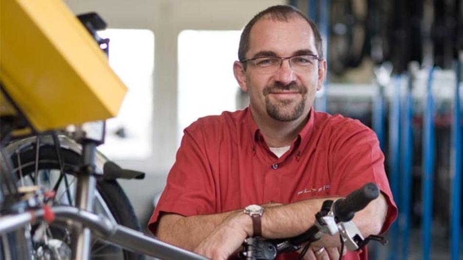 Kurt Schär, der Geschäftsführer von Biketec, ist den Testergebnissen der »Stiftung« mit Akribie auf den Grund gegangen.