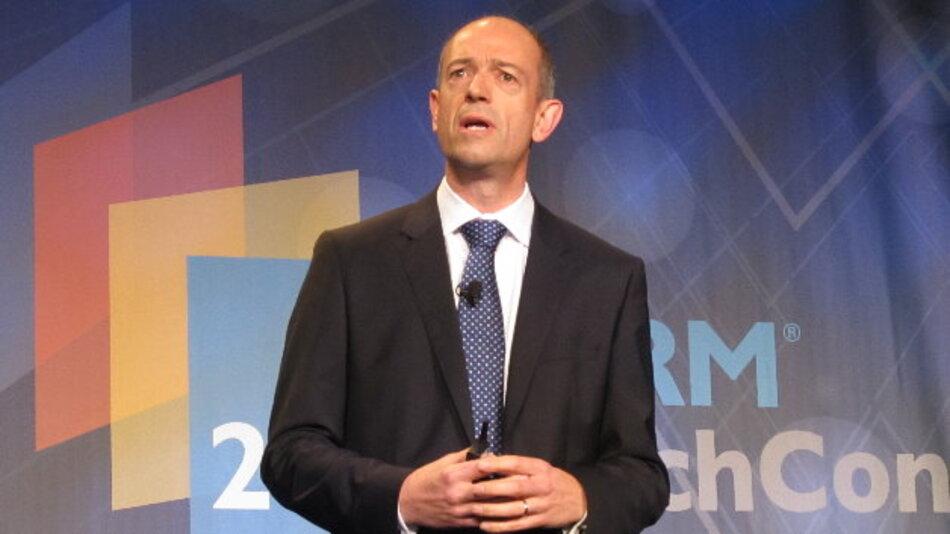 """ARMs CEO Simon Segars wünscht sich mehr Gründer von """"Garagenfirmen"""", um das Internet der Dinge voranzutreiben."""
