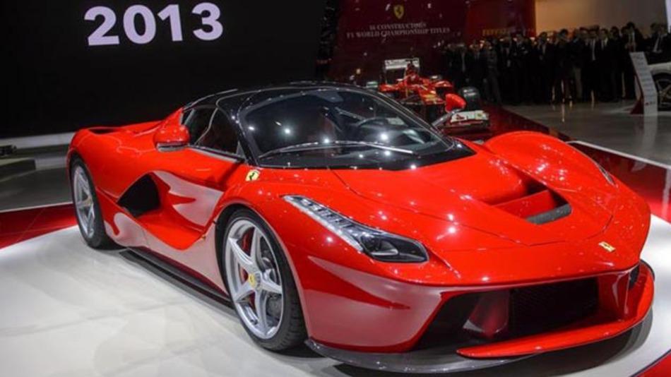 Mit der elektrohydraulischen Lenkung von TRW können Fahrer des ersten Hybrid-Ferraris Kraftstoff sparen.