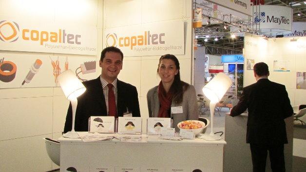 Stefanie Lauer und ihr Geschäftsführerkollege Andreas Hartwig. Ihre Elektrogießharze auf Basis von Polyurethan bieten eine Wärmeleitfähigkeit von bis zu 3 W/m*K.