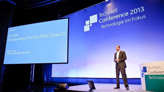 Mike Schutz hält die Keynote auf der Microsoft TechNet Conference.