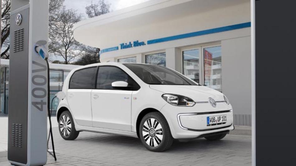 """Mit den Online-Diensten """"Car-Net"""" kann der Fahrer eines e-up! zukünftig Fahrzeugdaten abrufen und das Fahrverhalten analysieren."""
