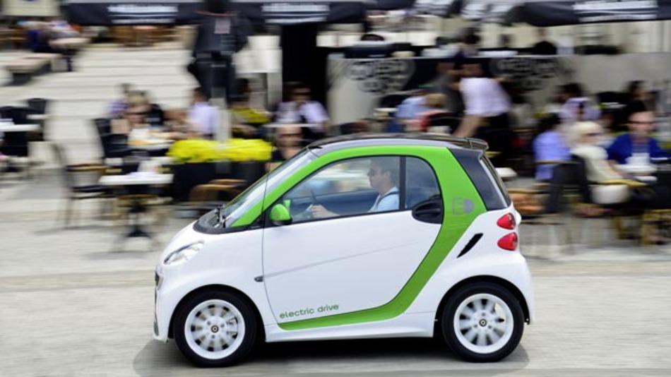 Ab Dezember 2013 auch im Reich der Mitte auf dem Markt: Der Smart Fortwo Electric Drive.
