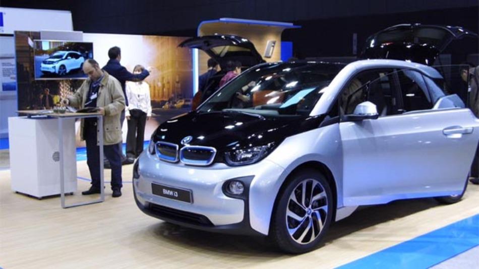 Hoher Insassenschutz und Kinderschutz reichten für 4 Sterne beim Euro-NCAP-Crashtest des BMW i3. Lediglich mittlere Werte erreichte das Elektroauto beim Fußgängerschutz und Einsatz von Sicherheitsassistenzsystemen.
