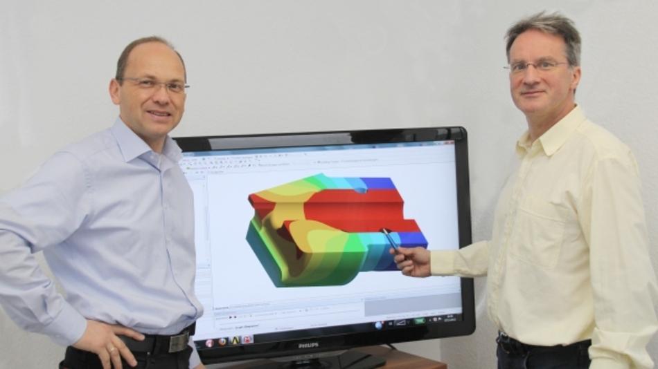 TIME-Geschäftsführer Dr. Polzin (l.) und FEM-Experte Matthias Baszczok bieten kleinen und mittleren Unternehmen ihre Kapazitäten und Erfahrungen der Finite Elemente Methode an