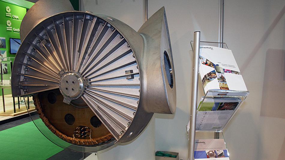 Das vereinfachte Modell des Nabengenerators wurde bereits auf der EWEA 2013 in Wien gezeigt. Der Maßstab des Generators ist 1:5.