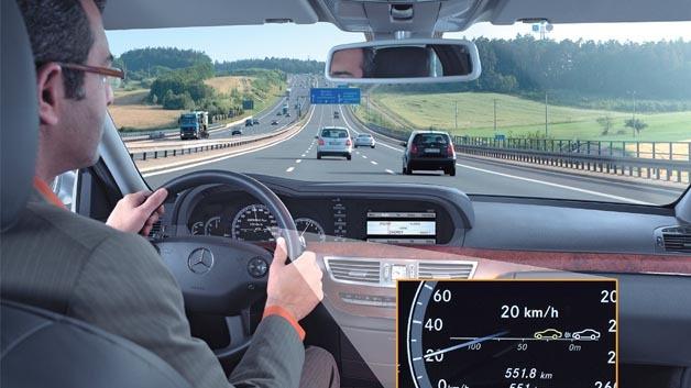 CMOS-Kameras ermöglichen eine unkomplizierte Bedienung verschiedener Funktionen im Fahrzeuginnenraum.