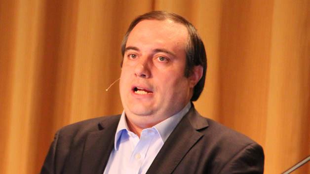 Der Graphen-Experte Prof. Andrea Ferrari von der Universität Cambridge hielt den europäischen Plenarvortrag auf der IEDM 2013 in Washington D.C.