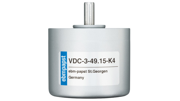 Der neue Außenläufermotor VDC-3-49.15-K4 wartet nun mit der integrierten K4-Regelelektronik auf für Drehzahl-, Positionier- und Drehmomentsteuerung auf.