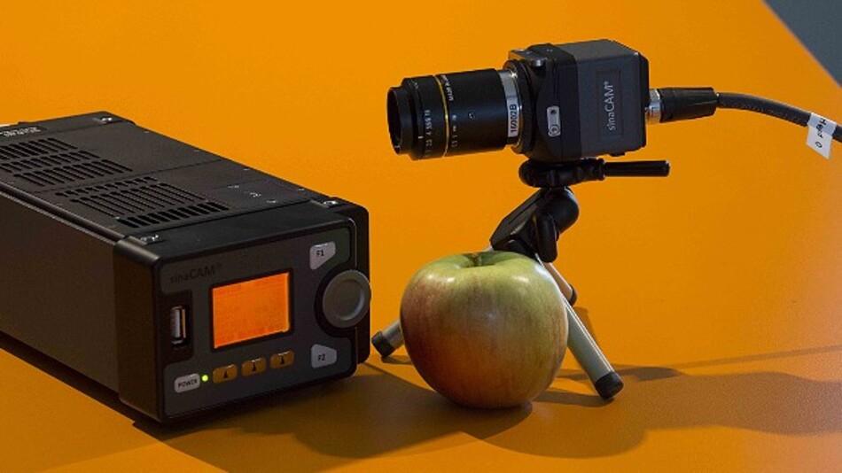 Basis und abgesetzter Kamerakopf der »sinaCam LT« von Solectrix