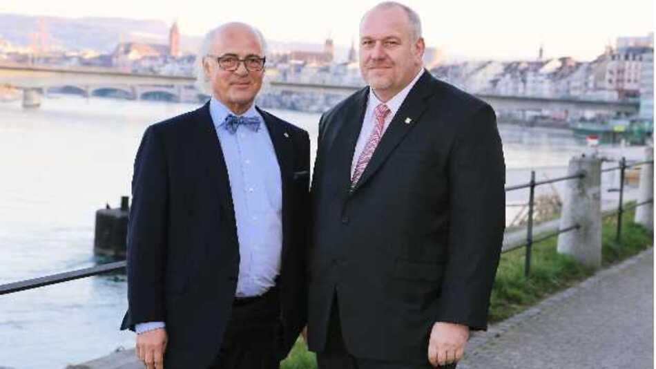Matthias Altendorf (rechts) übernimmt als CEO zu Jahresbeginn die Leitung der Endress+Hauser Gruppe, Vorgänger Klaus Endress wird neuer Präsident des Verwaltungsrats