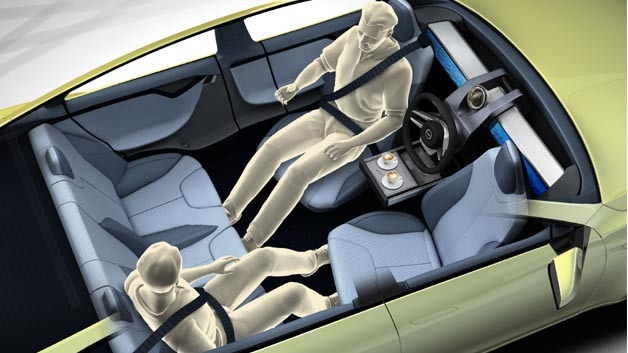 "Das Lenkrad lässt sich komfortabel in der Fahrzeugmitte parken, so dass der ""Fahrer"" bequem sitzen kann."