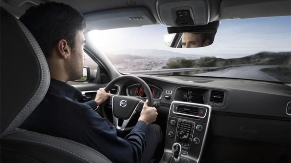 Das neue Sensus Connect umfasst eine großartige Auswahl cloud-basierter Apps, die darauf ausgelegt sind, das gesamte Erlebnis an Bord des Autos zu vereinfachen.