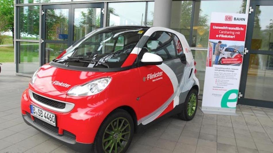 Die Bahn und die Daimler Mobility Services vernetzen Flinkster und car2go zu einem flexiblen Mobilitätskonzept.