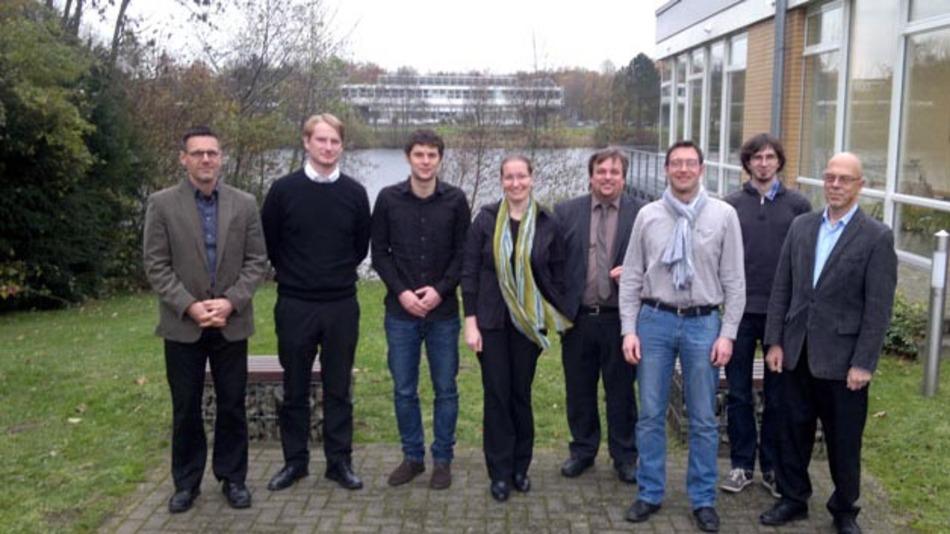 Wulf-Holger Arndt; Norman Döge; Flavio Gromann; Stefanie Marker; Jochen Linßen; Clemens Günther; Daniel Dreyhaupt; Wilfried Hennings (von links nach rechts).