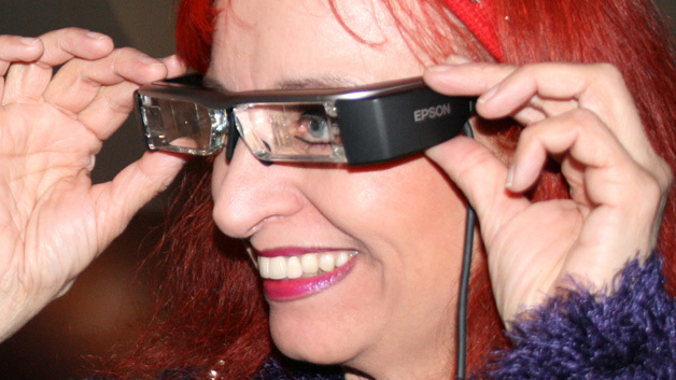 Präsentation der Epson Datenbrille Moverio BT-200