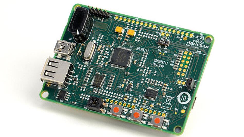 Bild 2. Starter Kit von Renesas für den RX111 mit Debug Interface für J-Link und LC-Panel.