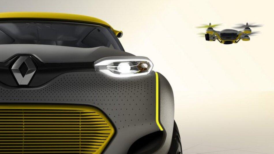 Flieg nicht so hoch, mein kleiner Freund: Der Renault Kwid Concept wird von seiner eigenen Drohne begleitet.