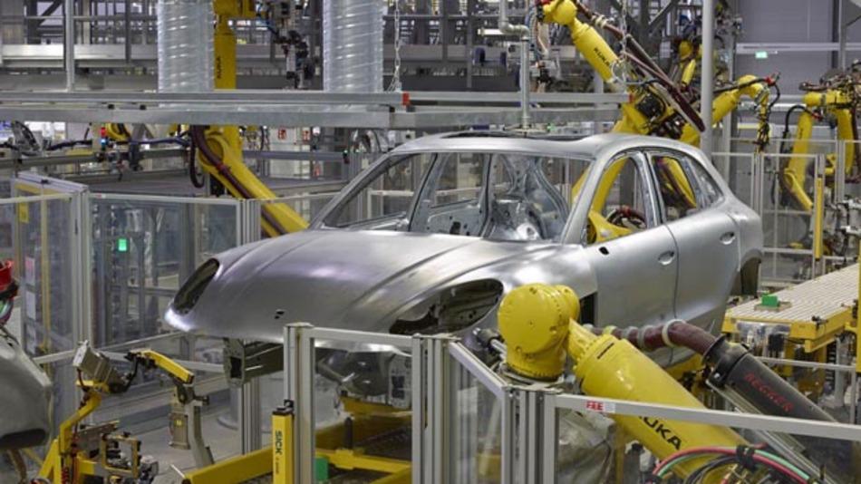 Das Leipziger Porsche-Werk wurde für die Fertigung des Macan unter anderem um einen eigenen Karosseriebau und eine moderne Lackiererei erweitert.