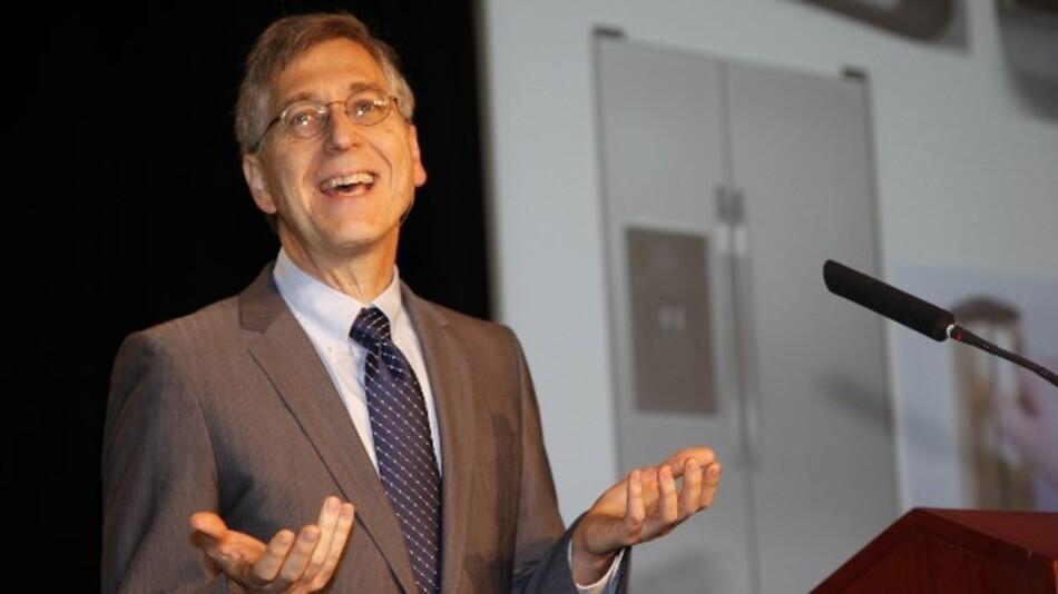 Mark Horowitz: »Eine weitere, erfolgreiche Skalierung der Rechenleistung benötigt die Entwicklung und effektive Nutzung von neuen spezialisierten Rechen-Engines sowie die Beteiligung von Applikationsexperten.«