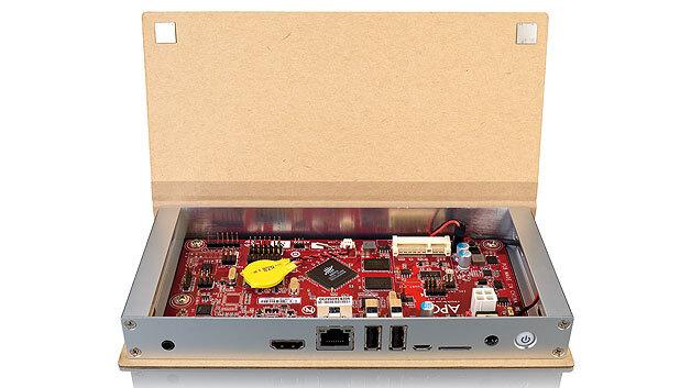 Das APC Paper ist ein ARM-System im Taschenbuch-Format. Das Gehäuse besteht aus Aluminium und Recycling-Pappe.