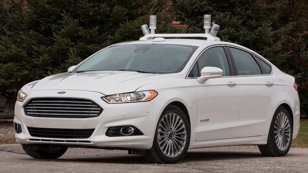Gleich vier Sensorsysteme sorgen beim Ford Fusion für den Rundumblick.