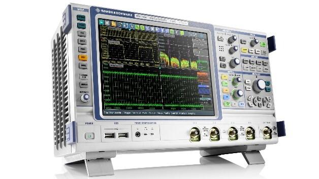Die zwei- bzw. vierkanaligen Modelle der R&S-RTE-Serie sind für Bandbreiten bis 200, 350 oder 500 MHz bzw.  1 GHz ausgelegt und punkten mit einer Erfassungsrate von mehr als 1 Million Messkurven pro Sekunde.