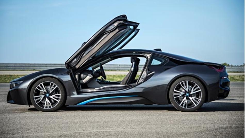 BMW liefert seinen Hybrid-Sportwagen ab Juni 2014 aus.