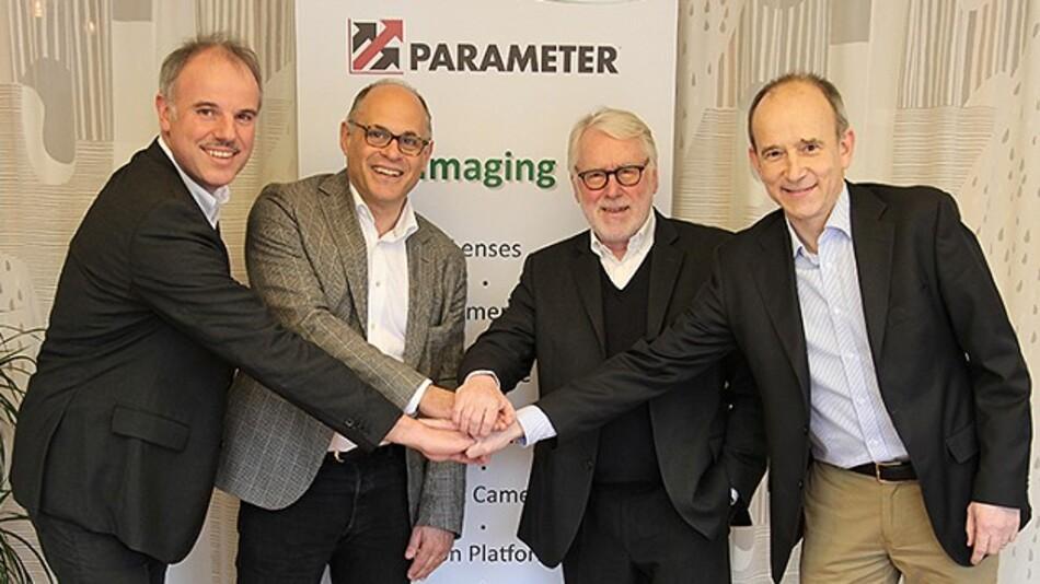 Christof Zollitsch, Michael Cohn, Wilhelm Stemmer und Peter Trollsås (von links nach rechts) nach der Vertragsunterzeichnung