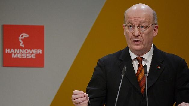 Der Jury-Vorsitzende Prof. Wolfgang Wahlster im vergangenen Jahr bei der Bekanntgabe des Hermes-Award-Preisträgers