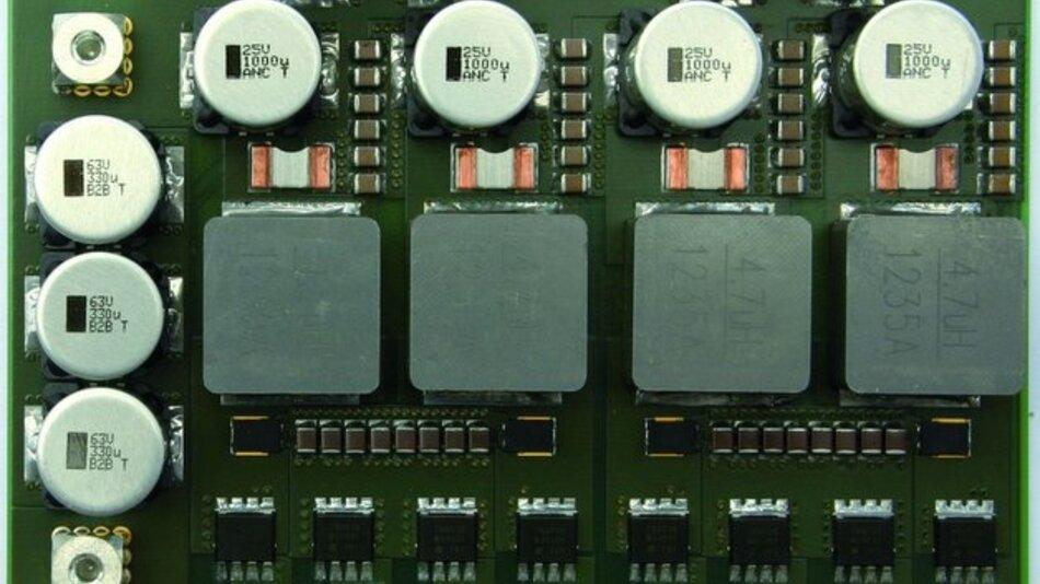 Bild 1. Beim 1,5-kW-Spannungswandler (48 V/12 V) von Vishay kommen kompakte MOSFETs in der Bauform PPAK8x8L zum Einsatz.