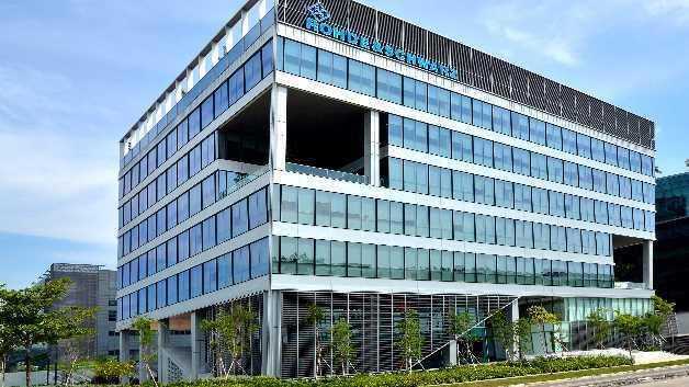 Rohde & Schwarz stärkt mit modernem Bürokomplex in Singapur seine Präsenz in Asien